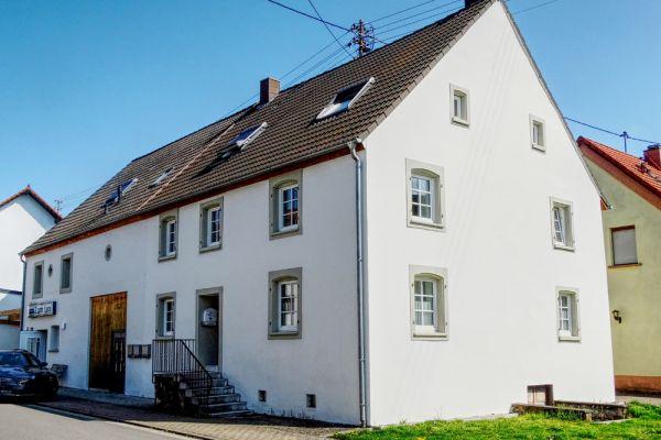 wohnhaus-fassade-aussenputzA7C16486-985F-5049-E4BE-90C14D5C6D41.jpg